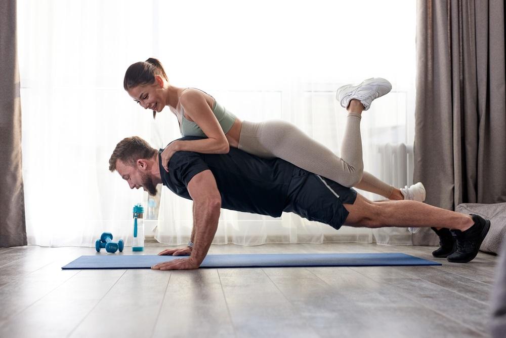 De 5 leukste workouts om thuis te doen